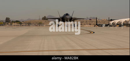 The Commanding Officer of Marine Fighter Attack Squadron 122 (VMFA-122), Lt. Col. John P. Price, lands after conducting the first flight operations in an F-35B Lightning ll at Marine Corps Air Station (MCAS) Yuma, Ariz., March 29, 2018. VMFA-122 conducted the flight operations for the first time as an F-35 squadron. (U.S. Marine Corps photo by Lance Cpl. Sabrina Candiaflores) - Stock Photo
