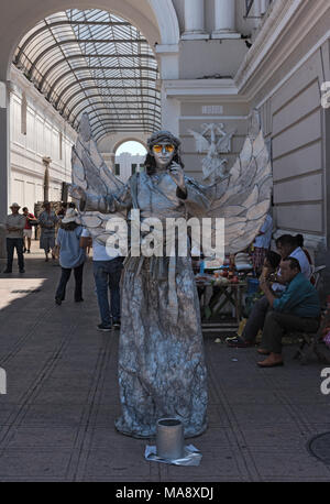 Silver street artist at the Merida street festival on Sunday, in front of the Passage of the Revolution, Merida, Mexico - Stock Photo