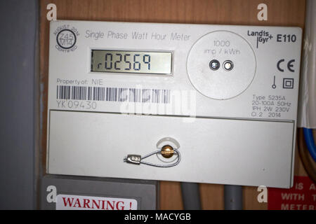 domestic single phase electricity meter with export for solar pv electricity generation meter used for feed in tariff payments - Stock Photo