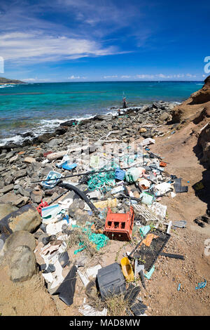 Much of the north side of the island of Molokai in inaccessible. Trade winds blow onshore regularly bringing with them piles of plastic that have been - Stock Photo