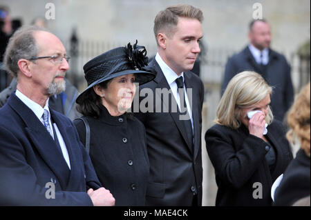 Cambridge, Britain. 31st Mar, 2018. British physicist Stephen Hawking's first wife Jane (2nd L), son Timothy (3rd L) and daughter Lucy (4th L) attend the private funeral of Stephen Hawking at the Great St Mary's Church in Cambridge, Britain, on March 31, 2018. The funeral of Professor Stephen Hawking was held Saturday at a church near the Cambridge University college where he was a fellow for more than half a century. Credit: Stephen Chung/Xinhua/Alamy Live News - Stock Photo
