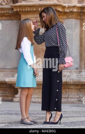 Palma De Mallorca, Spain. 01st Apr, 2018. Queen Letizia of Spain at Easter Mass at the Palma de Mallorca cathedral in Palma de Mallorca, Spain. APRIL 1, 2018. Credit: Jimmy Olsen/Media Punch ***No Spain***/Alamy Live News Credit: MediaPunch Inc/Alamy Live News