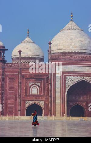 Close view of jawab in Taj Mahal complex, Uttar Pradesh, India. Taj Mahal was designated as a UNESCO World Heritage Site in 1983. - Stock Photo