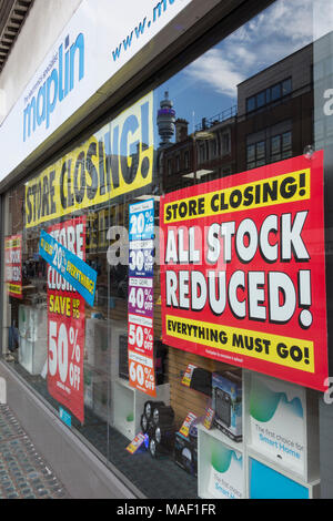 Maplin, the electronics specialist store, closing down sale on Tottenham Court Road, London, NW1, UK - Stock Photo