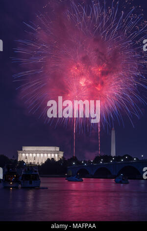 Washington DC fourth of July, July  4th Lincoln memorial Independence day fireworks - Stock Photo
