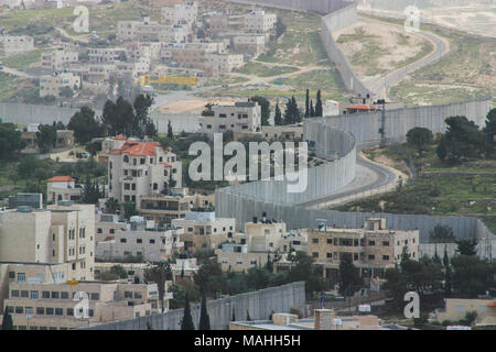 Separation Wall between the occupied palestinian territory's and Israel - Stock Photo