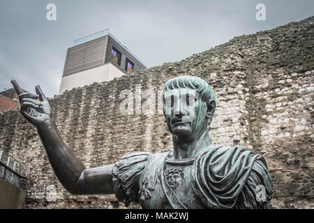 A bronze statue on Tower Hill believed to be that of the Roman Emperor Trajan. - Stock Photo