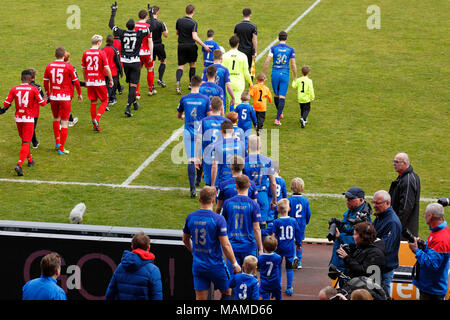 sports, football, Regional League West, 2017/2018, Rot Weiss Oberhausen vs Wuppertaler SV 1:1, Stadium Niederrhein in Oberhausen, teams come in, running-in kids - Stock Photo