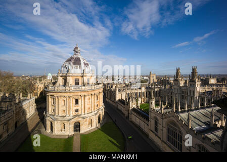 Oxford. England. View of Radcliffe Camera, Radcliffe Square with All Souls College to the right.   Designed by James Gibbs, built 1737–49 to house the - Stock Photo