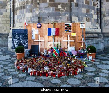 Berlin Breitscheidplatz. Memorial for victims of Christmas market terror attack outside Kaiser Wilhelm Memorial Church, Kaiser-Wilhelm-Gedächtniskirch - Stock Photo