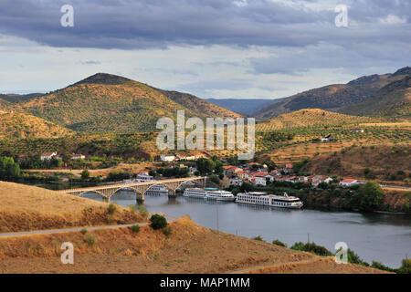 The Douro river at Barca d' Alva, Alto Douro. Portugal - Stock Photo