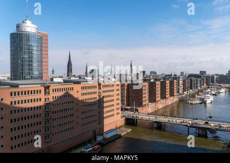 HafenCity, Kirchtürme und Hanseatic Trade Center,  Freie Hansestadt Hamburg, Deutschland  |  View of HafenCity with various church towers and Hanseati - Stock Photo