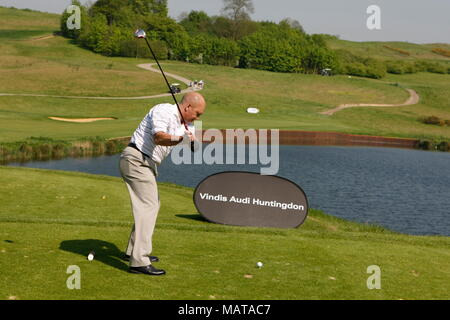 FILE: 4th April, 2018: Ray Wilkins passes away. Photo taken: London Club, UK. 7th May, 2008. Ray Wilkins  tees off at the 'Goalies Open Golf Championship' at the London Club, 2008. Ray was mad keen on his golf and took it almost as seriously as his football. Credit: Motofoto/Alamy Live News - Stock Photo
