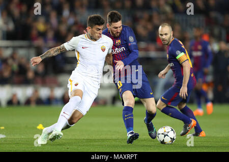 Barcelona, Spain. 4th Apr, 2018. LIONEL MESSI of FC Barcelona duels for the ball with DIEGO PEROTTI of AS Roma during the UEFA Champions League, quarter final, 1st leg football match between FC Barcelona and AS Roma on April 4, 2018 at Camp Nou stadium in Barcelona, Spain Credit: Manuel Blondeau/ZUMA Wire/Alamy Live News - Stock Photo