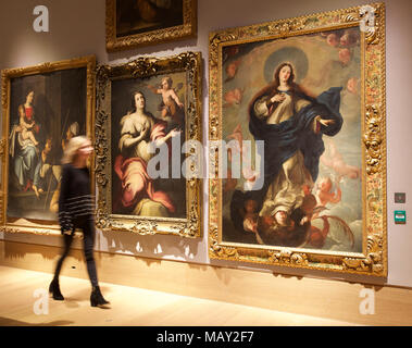 London,UK,5th April 2018,A Photocall took place at Bonhams of a private art collection from Spanish Master Sculptor Antón Casamor. The sale takes place on the 11th April 2018 credit Keith Larby/Alamy Live News - Stock Photo