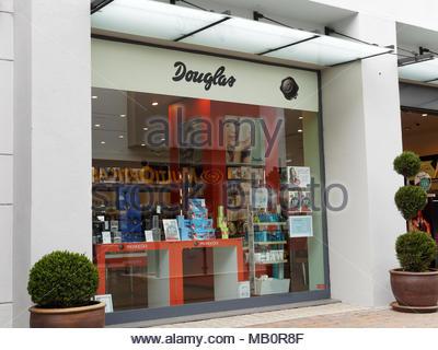 b6a4c42bcfb2 ... Douglas cosmetics shopfront