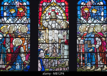 The memorial window to Alice Bardsley by Veronica Whall (1937) in which Jesus tasks his apostles with 'The Great Commission', Leicester Cathedral, UK - Stock Photo