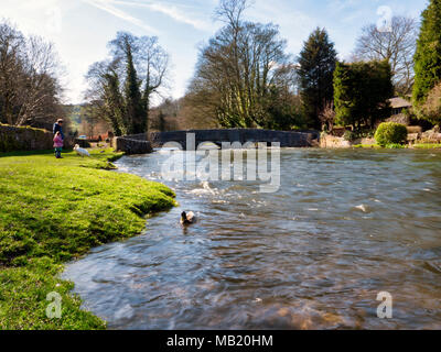 Peak District National Park. 5th Apr, 2018. UK Weather: visitors enjoying the glorious sunshine on Thursday after the wet Easter Bank Holiday break at Ashford on the Water, near Bakewell in the Peak District National Park Credit: Doug Blane/Alamy Live News - Stock Photo