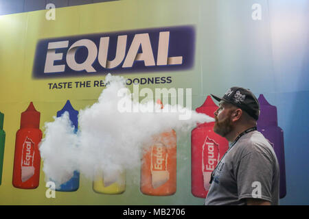London UK. 6th March 2018. The 4th Vape Jam convention at the ExCel centre attracted Hundreds of vaping enthusiasts  and electronic cigarette businesses in a strictly non tobacco smoking venue Credit: amer ghazzal/Alamy Live News - Stock Photo