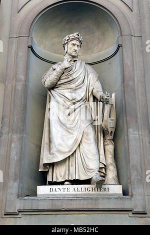 Statue, Dante Allighieri, Uffizien, Piazza della Signoria, Florence, Italy - Stock Photo