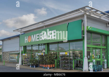 Exterior of Homebase store at Bodmin Retail Park, Cornwall, UK. Out ,of town shopping and 'Death of the High Street' concepts. - Stock Photo
