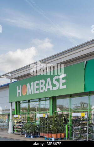 Exterior of Homebase store at Bodmin Retail Prk, Cornwall, UK. Out ,of town shopping and 'Death of the High Street' concepts. - Stock Photo