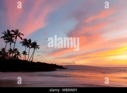 Sunset at Ulua Beach, Wailea, Maui, Hawaii. - Stock Photo