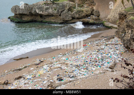 Pollution along the coastline, Santo Domingo, Domnican Republic - Stock Photo