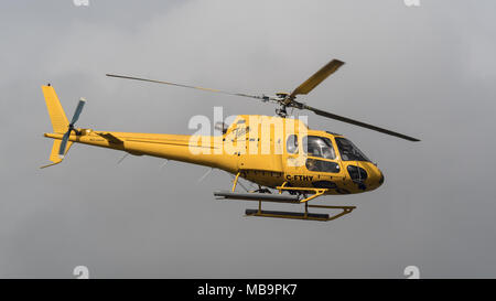 Richmond, British Columbia, Canada. 18th Mar, 2018. An Aerospatiale AS 350B2 Ecureuil helicopter (C-FTHY) belonging to Talon Helicopters Ltd. departs from Vancouver International Airport. Credit: Bayne Stanley/ZUMA Wire/Alamy Live News - Stock Photo