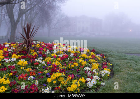 Warrington, Cheshire, UK. 9th April, 2018. Warrington, Cheshire , England, UK awoke to a foggy morning on 9th April 2018 Credit: John Hopkins/Alamy Live News - Stock Photo