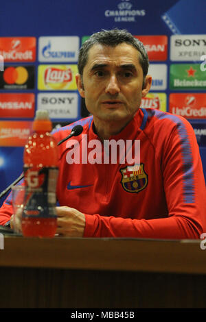 Rome, Italy. 9th April, 2018. Ernesto Valverde, coach of FC Barcellona at Stadio Olimpico in Rome during the press conference before the Quarter Final Champions League Match Roma-Barcellona Credit: Paolo Pizzi/Alamy Live News - Stock Photo