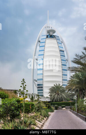 The Burj Al Arab Hotel on Jumeirah Beach, Dubai, UAE, Middle East. - Stock Photo
