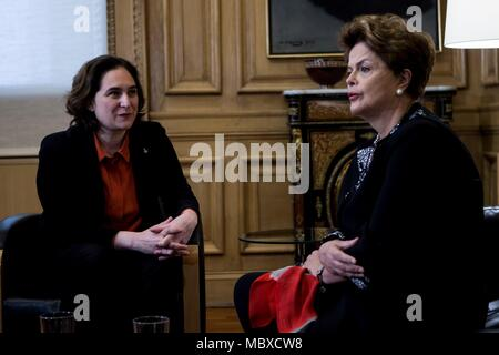 Barcelona, Spain. 12th Apr, 2018. Barcelona's Mayoress, Anda Colau (L), speaks with the former Brazilian president Dilma Rousseff, during their meeting in Barcelona, northeastern Spain, 12 April 2018. Colau has condemned the 'authoitarian drift' that is living Brazil since Rousseff's impeachment and her consequent destitution and the imprisonment of former Brazilian president Luiz Inacio Lula da Silva. Credit: Quique García/EFE/Alamy Live News - Stock Photo