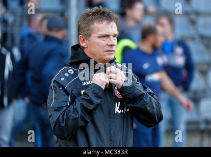 sports, football, Regional League West, 2017/2018, Wuppertaler SV vs Rot Weiss Essen 3:1, head coach Karsten Neitzel (RWE) - Stock Photo