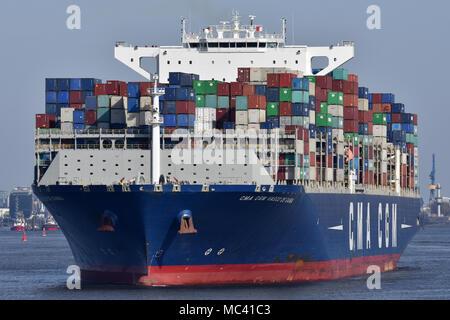 CMA CGM Vasco de Gama outbound from Hamburg - Stock Photo
