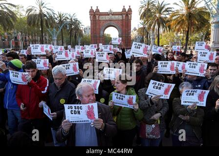 People rally to suppor the Republic's Defense Committees in Barcelona, Catalonia, Spain, 12 April 2018. EFE/Alejandro Garcia - Stock Photo