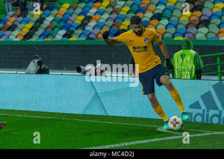 Lisbon, Portugal. April 12, 2018. AtleticoÕs forward from Spain Diego Costa (18) during the game of the 2nd Leg of the Quarter-final of the UEFA Europa League, Sporting v Atletico de Madrid © Alexandre de Sousa/Alamy Live News - Stock Photo