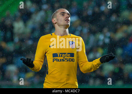 Lisbon, Portugal. April 12, 2018. AtleticoÕs forward from France Antoine Griezmann (7) during the game of the 2nd Leg of the Quarter-final of the UEFA Europa League, Sporting v Atletico de Madrid © Alexandre de Sousa/Alamy Live News - Stock Photo