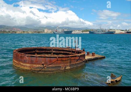 The sunken ship USS Arizona below the Memorial - Pearl Harbor, Oahu, USA - Stock Photo