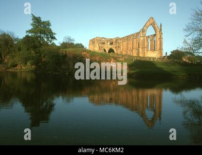 Haunted Places - Bolton Abbey, Yorkshire is haunted by the ghost of a monk.This may be the same ghost who has been described as 'wearing a black cloak''' - Stock Photo