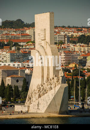 The monument Padrao dos Descobrimentos on the banks of the Tagus River - Stock Photo