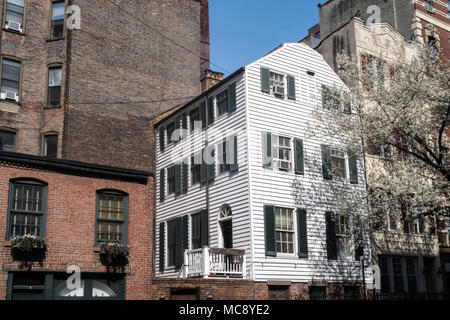 Wooden Farmhouse on East 29th Street, New York City, USA - Stock Photo