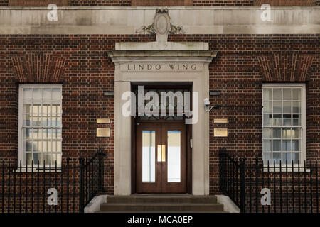 London, UK, 14 April 2018. St Mary's Hospital, London, preparing for the birth of the Duke and Duchess of Cambriges 3rd baby due later this month.  Both Prince George and Princess Charlotte were also born at the Lindo Wing. Credit: Amanda Rose/Alamy Live News - Stock Photo