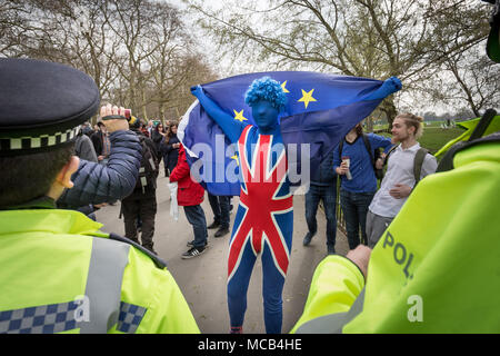London, UK. 15th April, 2018. A Pro-EU supporter holds a solo 'remain' demonstration at Speaker's Corner in Hyde Park. Credit: Guy Corbishley/Alamy Live News - Stock Photo