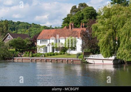 Riverside house on River Thames at Hambledon Lock, Hambleden, Buckinghamshire, England, United Kingdom - Stock Photo