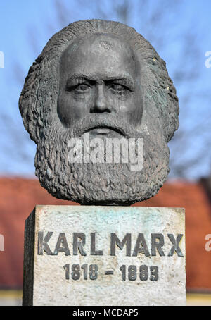 10 April 2018, Germany, Neuhardenberg: A bust of German philosopher, economist and social theorist Karl Marx (May, 05 1818 - March, 14 1883) is on display. The town of Neuhardenberg was previoulsy known as Marxwalde named after Karl Marx during the GDR era. Photo: Patrick Pleul/dpa-Zentralbild/dpa