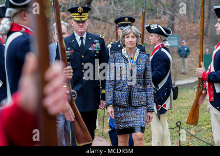 U.S. Army Maj. Gen. Michael Howard, Commander U.S. Army Military District of Washington, participates in a wreath laying ceremony at Gen. George Washington's Tomb in honor of President's Day, at George Washington's Mount Vernon Estate in Alexandria, Va., Feb. 19, 2017.  (U.S. Army Photo by Spc. Anna Pol) - Stock Photo