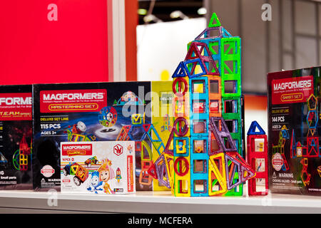 Magformers Kids Magnet Constructor Game Magformers Is The Industry