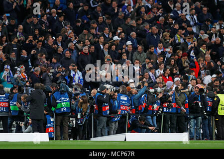 Madrid, Spain. Credit: D. 11th Apr, 2018. Photographers Football/Soccer : UEFA Champions League Quarter-finals 2nd leg match between Real Madrid 1-3 Juventus FC at Estadio Santiago Bernabeu in Madrid, Spain. Credit: D .Nakashima/AFLO/Alamy Live News - Stock Photo