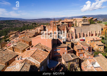 France, Vaucluse, Roussillon, Natural Regional Park of Luberon, labelled The Most Beautiful Villages of France, perched village with ochre facades, - Stock Photo